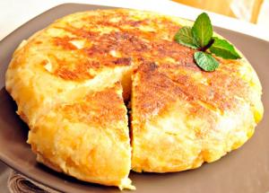 Tortilla de patatas baja en grasa.